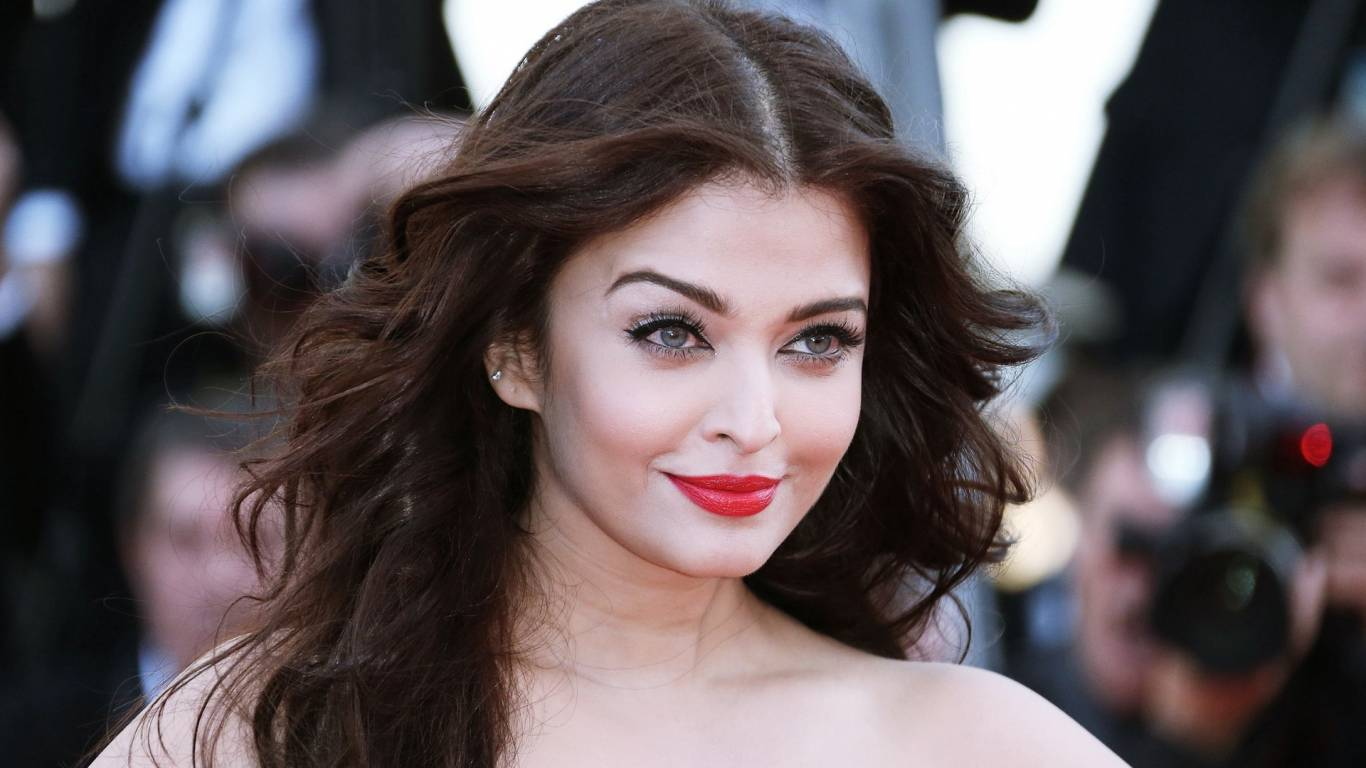 Aishwarya Rai Bachchan Wallpapers