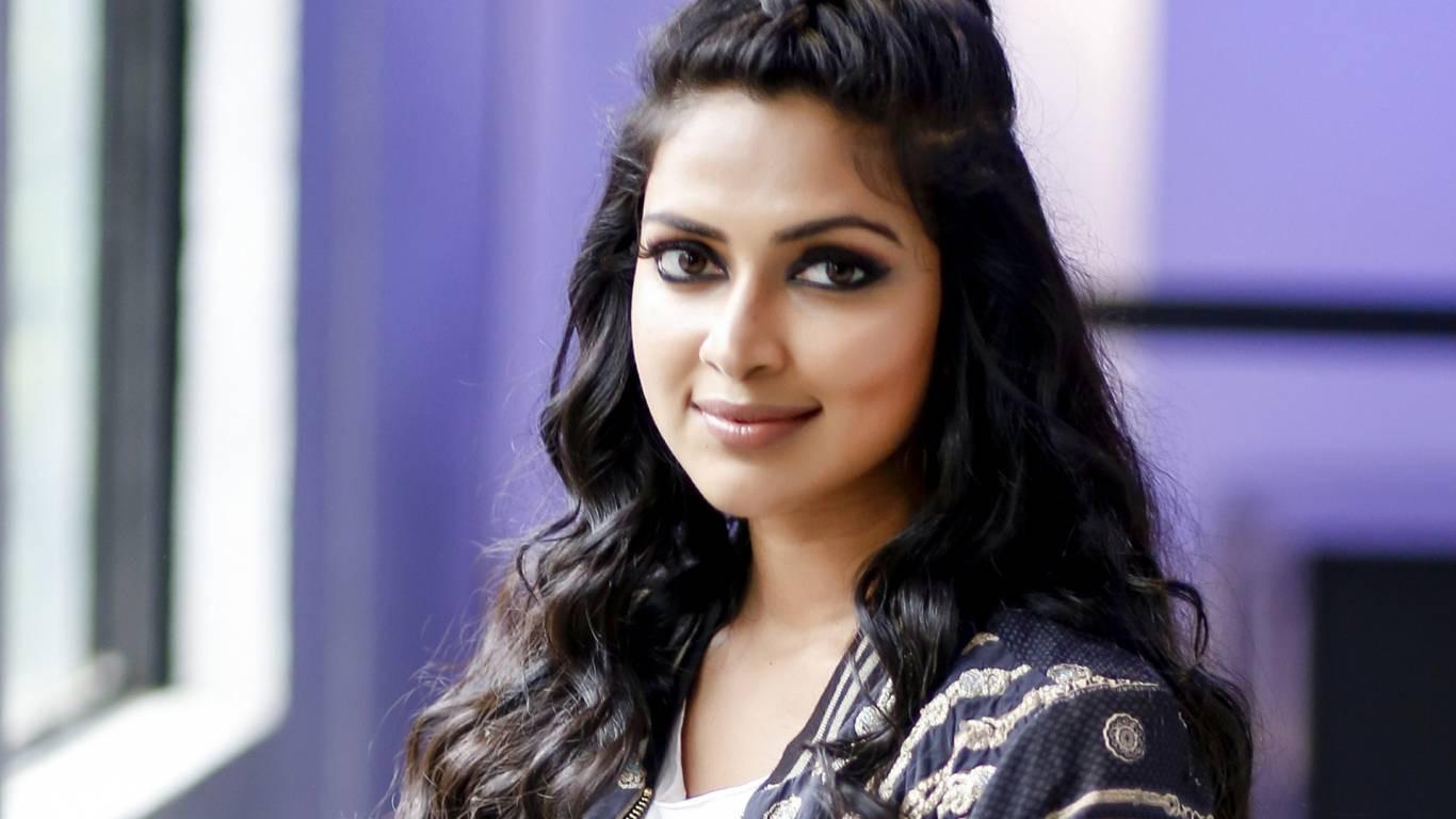 Amala Paul Wallpapers