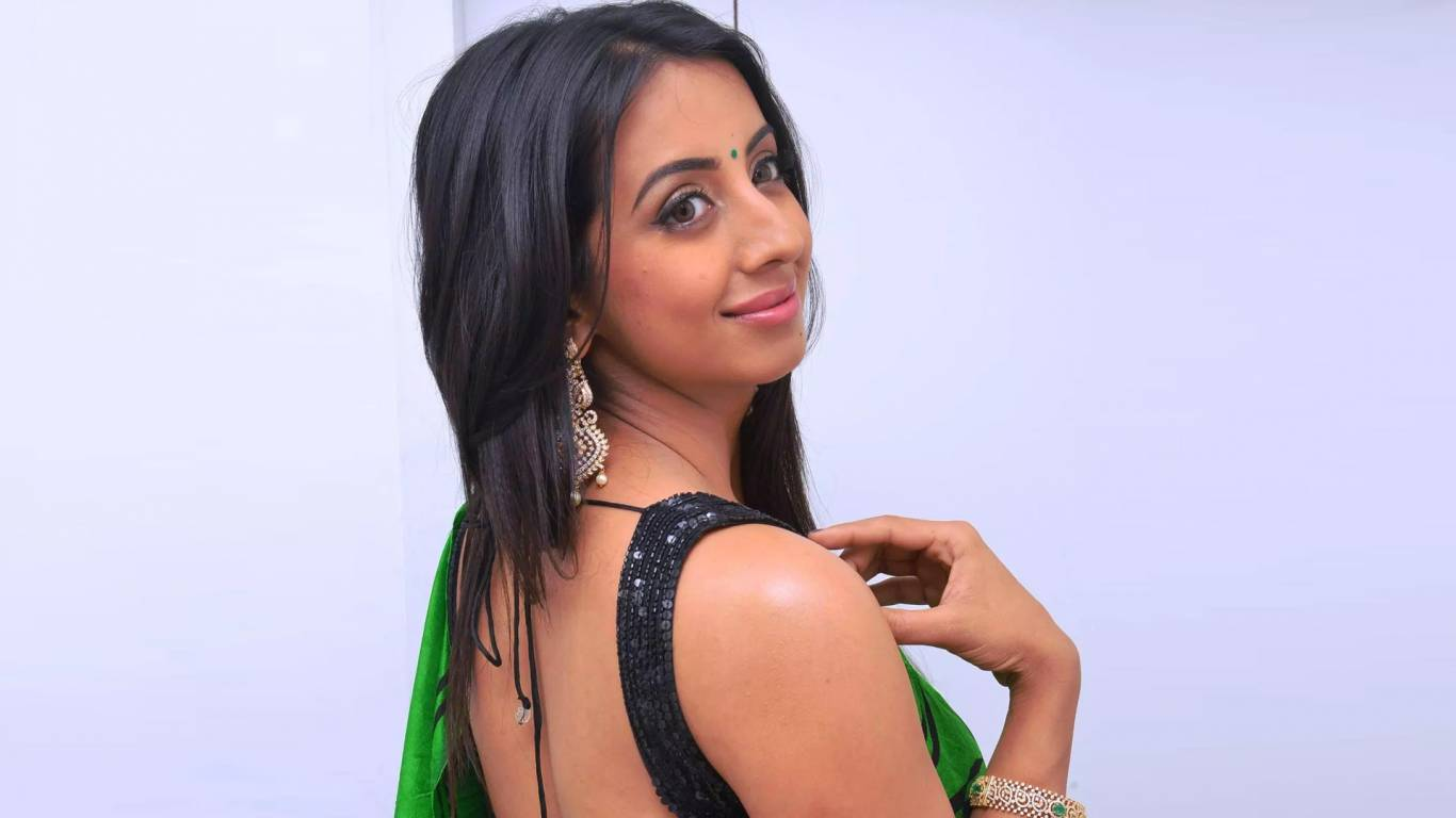 Sanjjanaa Galrani Wallpapers