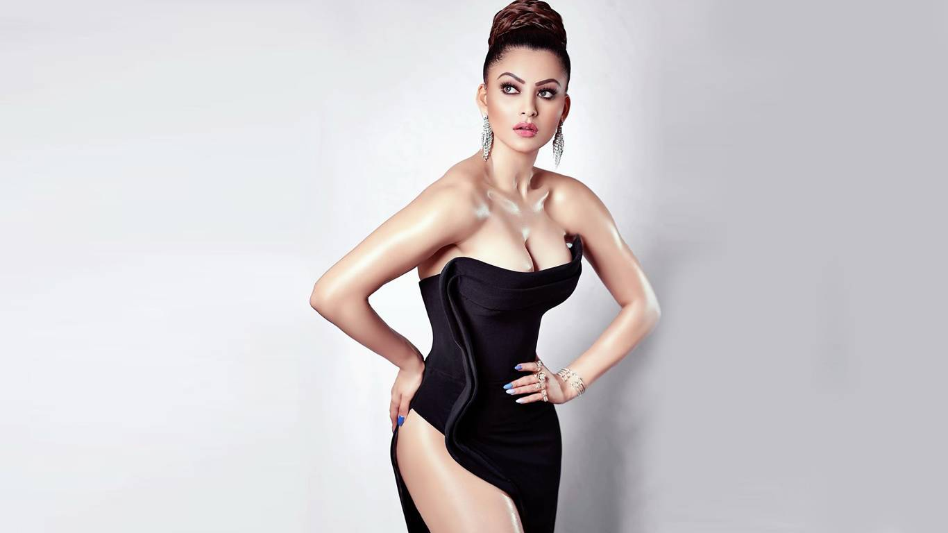 Urvashi Rautela Wallpapers